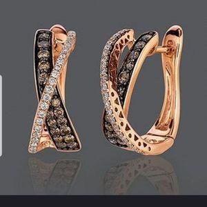 Jewelry - Beautiful rose gold and black hoop earrings